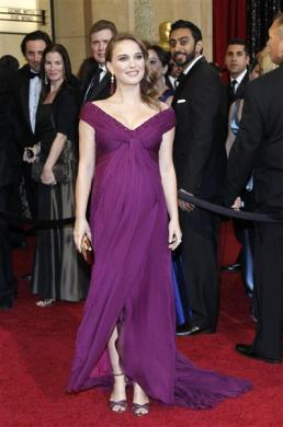 Natalie Portman pregnant clothing maternity wear maternity dress